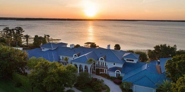 """The listing broker Danial Natoli of Premier reports that the home is in """"move-in ready"""" shape."""