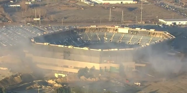 A planned implosion to start the demolition of Pontiac Silverdome failed Sunday, according to city officials