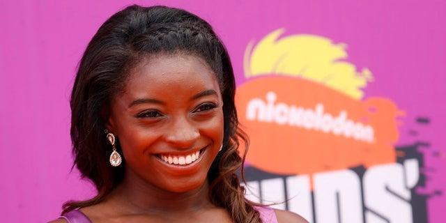 Simone Biles criticized Gabby Douglas' response to Aly Raisman's tweet.