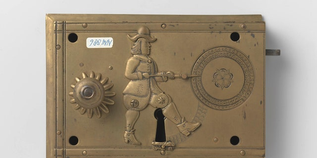 John Wilkes (locksmith), Detector lock with key, c. 1675 - c. 1700. (Rijksmuseum, Amsterdam)