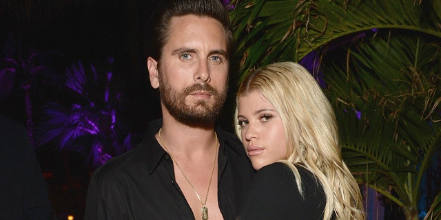 Lionel Richie's daughter Sofia Richie awkwardly answers questions about boyfriend Scott Disick during interview.