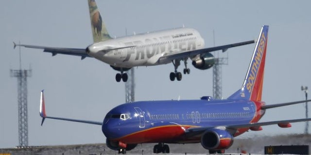 American Airlines and United Airlines show that air travel demand is growing modestly and there aren't many empty seats, but average fares continue to decline.
