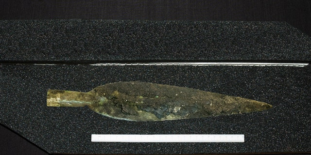 The Carnoustie Bronze Age spearhead (© GUARD Archaeology Ltd).