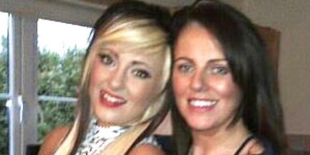 Charlotte Reat, shown left, says her 'hero' mother Jayne, shown right, died in her arms.