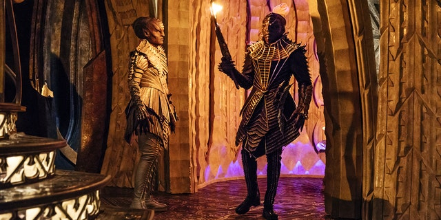 Pictured (l-r): Mary Chieffo as L'Rell; Chris Obi as T'Kuvma. STAR TREK: DISCOVERY coming to CBS All Access.  Photo Cr: Jan Thijs  © 2017 CBS Interactive. All Rights Reserved.