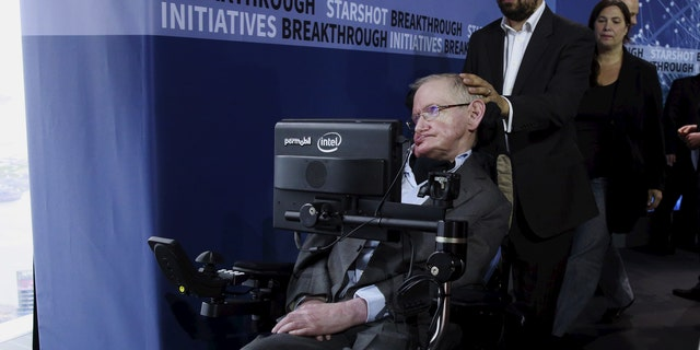 Physicist Stephen Hawking exits the stage during an announcement of the Breakthrough Starshot initiative with investor Yuri Milner in New York April 12, 2016. REUTERS/Lucas Jackson - RTX29N6G