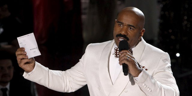 Steve Harvey made the 2015 Miss Universe pageant very memorable when he accidentally announcedMiss Colombia, Ariadna Gutierrez, as the winner of the instead of the actual winner, Miss Philippines, Pia Wurtzbach. He later appeared to correct the mistake and apologize.