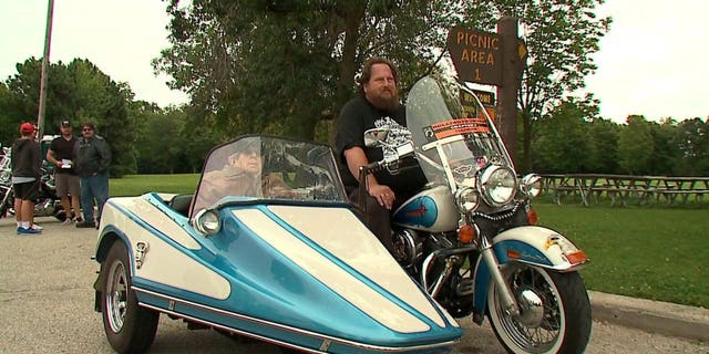 "Harley-Davidson fan Tom Strehlow was honored with a special ""last ride."""