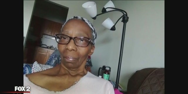 Juanita Branch, 63, noticed her symptoms getting progressively worse with each selfie.