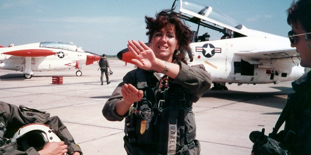 Tammie Jo Shults, a former Navy fighter pilot, said her military training helped her stay calm during the ordeal.