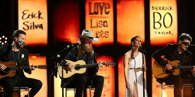 "The Grammy's performance of ""Tears In Heaven"" in tribute to those who died in the Las Vegas massacre and Manchester bombing was slammed by Twitter users."