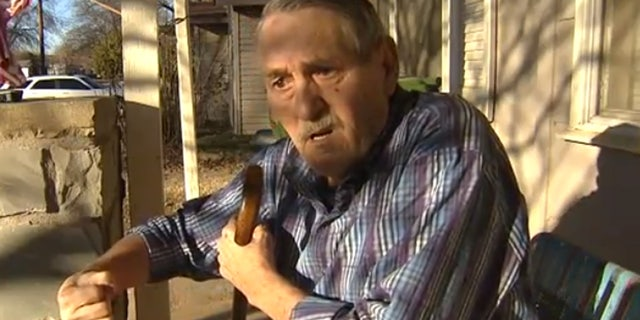 Allan Huddleston describes how he tried to fight off a carjacker at a Texas gas station.