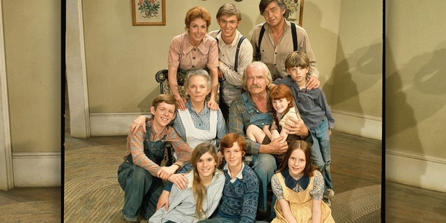 "Set in rural Virginia during the Great Depression and World War II, the show follows the Walton family, consisting of John (Ralph Waite) and Olivia (Michael Learned), their seven children, and John's parents Zebulon ""Zeb"" Tyler (Will Greer) and Esther (Ellen Corby)."