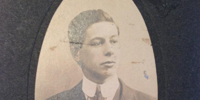 Sidney Sedunary (Henry Aldridge & Son).
