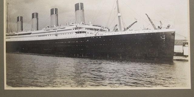 The Titanic photograph (Henry Aldridge & Son).