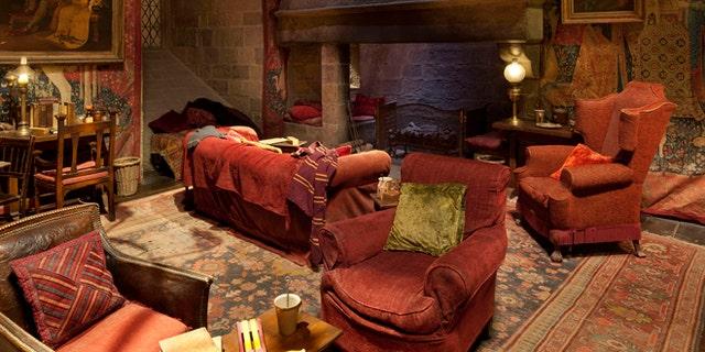 Gryffindor common room.