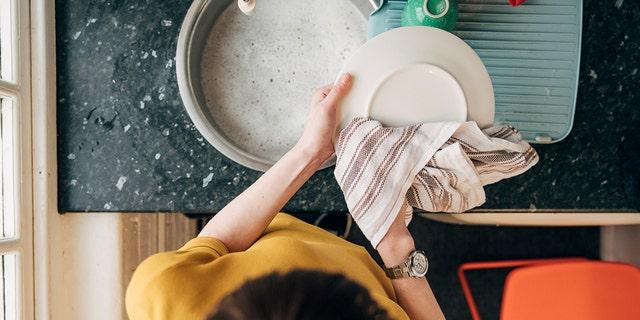 Don't let a dirty kitchen towel make you sick.