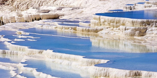 B46PBB Sinter Terraces, Pamukkale, Turkey