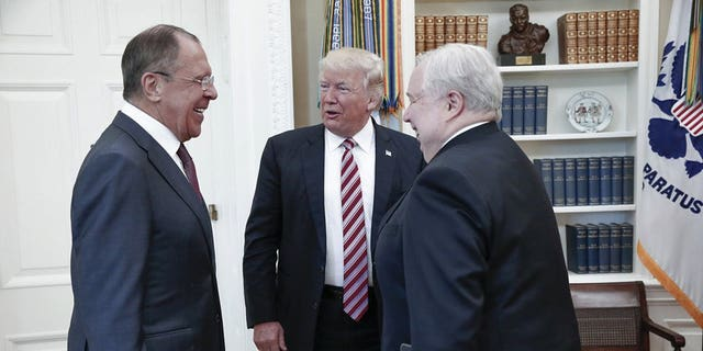 Kislyak, at right, meets with President Trump and Russian Foreign Minister Sergey Lavrov.