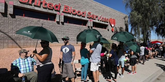Hundreds of people queue to donate blood following the mass shooting at the Route 91 music festival in Las Vegas, Nevada, U.S., October 2, 2017.