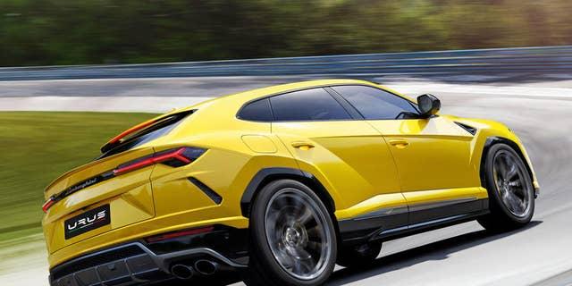 2019 Lamborghini Urus Debuts As The World S Fastest Suv Fox News