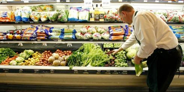 The USDA compared actual grocery spending with what is recommended over an eight-year period and found Americans don't eat their veggies.
