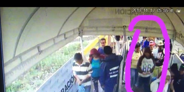 Antonio Ledezma slipping over the Colombian border