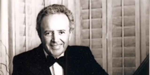 Damone was born Vito Farinola on June 12, 1928, in the Bensonhurst section of Brooklyn to Italian immigrant parents.