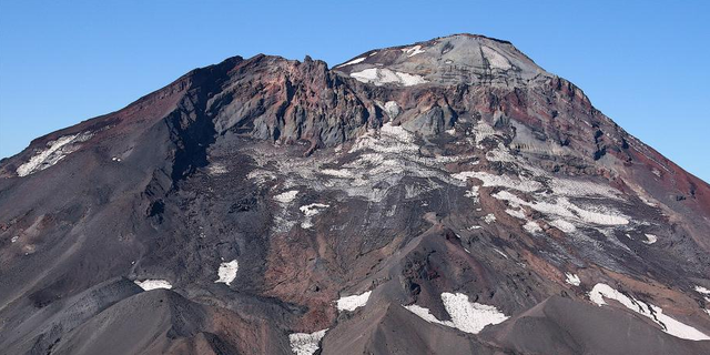"""South sister is one of three """"sisters"""" in the Cascade Range."""