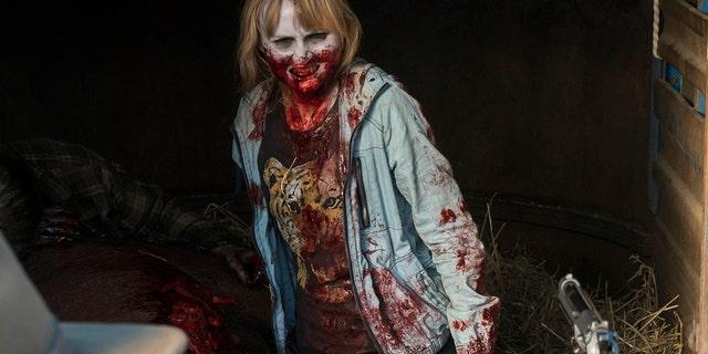Kim Dickens as Madison Clark, Dayton Callie as Jeremiah Otto, Rae Gray as Gretchen Trimbol - Fear the Walking Dead _ Season 3, Episode 6 - Photo Credit: Richard Foreman, Jr/AMC