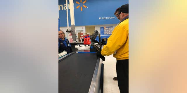 A woman in Iowa witnessed the sweet moment a young man decided to pay for an older veteran's purchases.