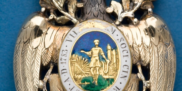 Reverse of the Diamond Eagle medal