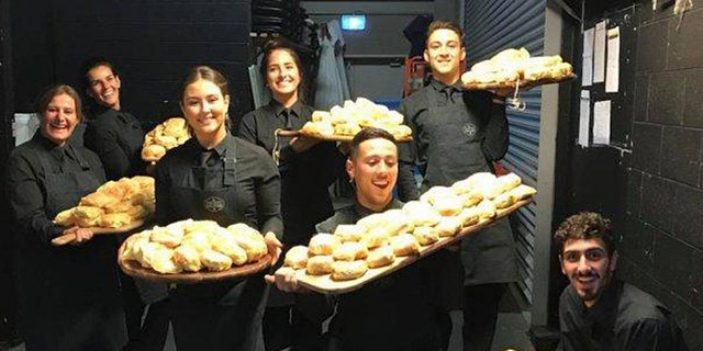 In total, the newlyweds ordered 450 burgers — 300 with cheese, 150 without.