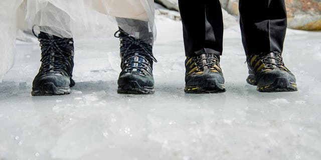 James Sissom and Ashley Schmeider hiked up Mount Everest for eight days for their wedding.