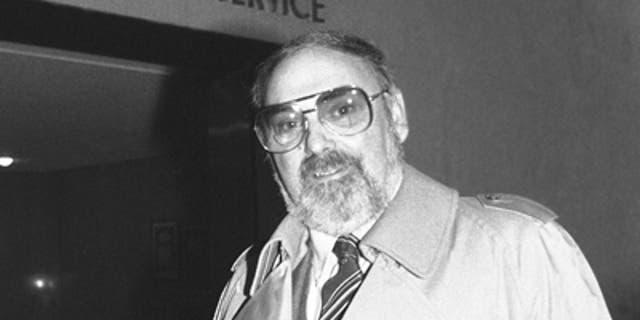 FILE: FBI informant Mel Weinberg arrives at federal court in Brooklyn, N.Y., on Nov. 17, 1980. (AP Photo)