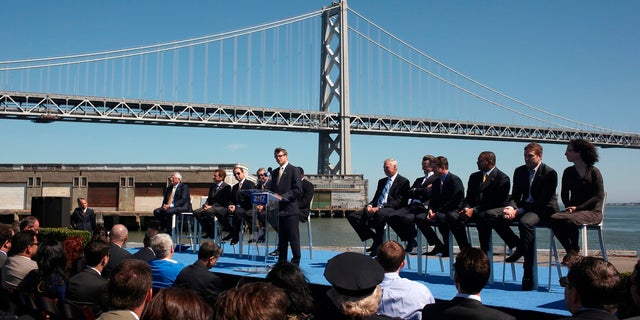 Golden State Warriors President and Chief Operating Officer Rick Welts addresses a news conference on Piers 30-32 in San Francisco, California May 22, 2012.