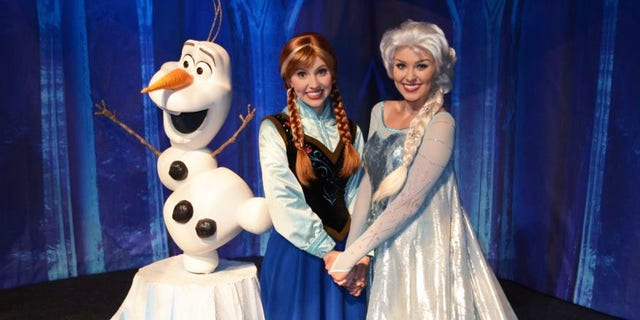 More Anna, Elsa and Olaf? Yes, please.