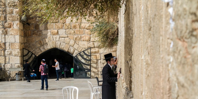 The Western Wall and the Western Wall Tunnels. (Photograph: Yaniv Berman, courtesy of the Israel Antiquities Authority)