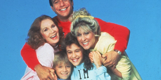 Promotional portrait of the cast of the TV series, 'Who's The Boss,' circa 1985. CW (from top): Actors Tony Danza, Judith Light, Alyssa Milano, Katherine Helmond, and Danny Pintauro. (Photo by ABC Television/Fotos International/Getty Images)