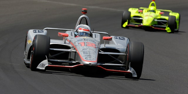 How Many Laps In Indy 500 >> Will Power Wins Indianapolis 500 After Danica Patrick Crashes Out In