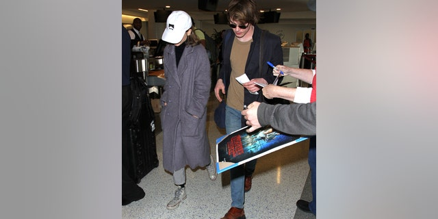 Natalia Dyer and Charlie Heaton leave Los Angeles after attending the Golden Globe Awards