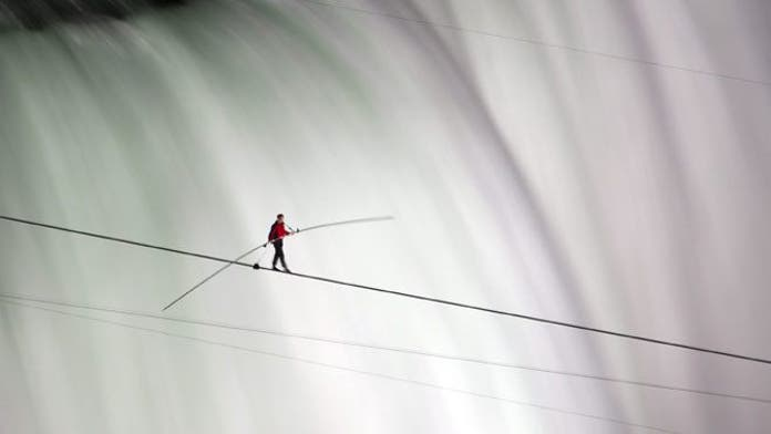 Daredevil Wallenda becomes first person to walk on tightrope