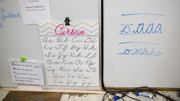 Texas to require elementary school students to learn how to write in cursive as part of new statewide curri...