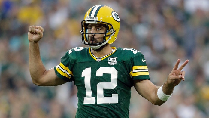NFL's Aaron Rodgers trounced by Packers teammate in beer-chugging duel