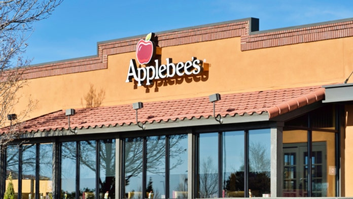 Applebee's customer shocked to find opossum crawling under bar: 'I paid my bill of $36 and left'