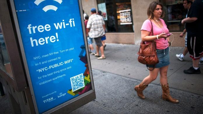 3 ways crooks attack on public Wi-Fi
