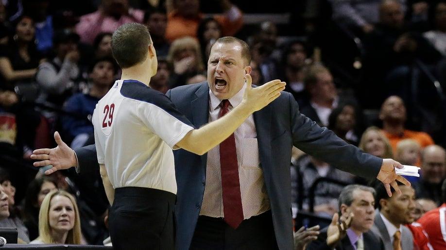 524d547a-Bulls Spurs Basketball