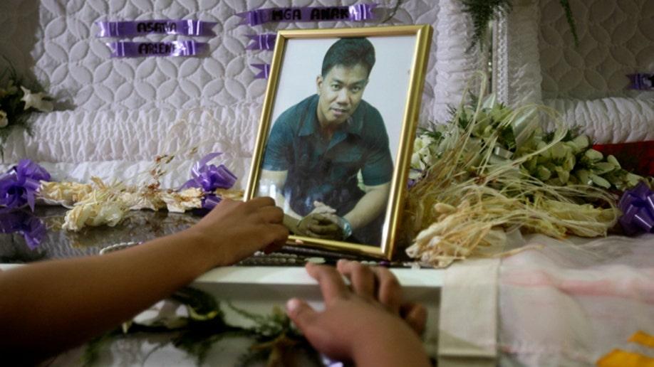 Philippines Gunman Photographed