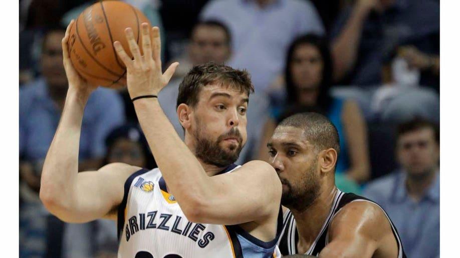 015ca1f3-Spurs Grizzlies Basketball