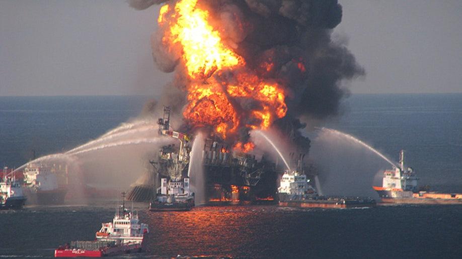 016322c5-Oil Rig Explosion